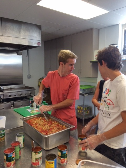 San ramon valley high school students volunteer at loaves for Loaves and fishes volunteer