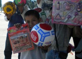 Christmas in Mexico Street Giveway